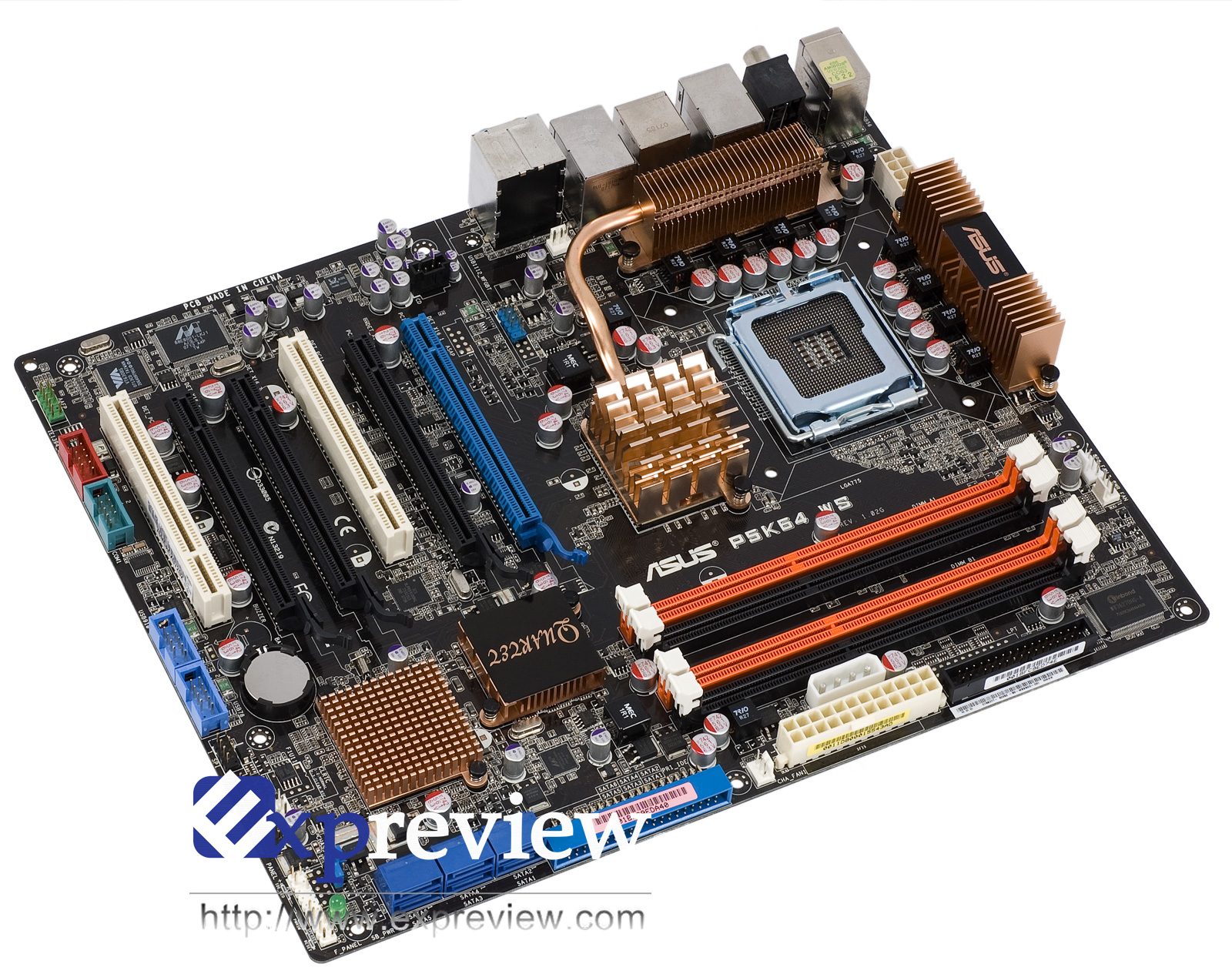 P5K64 WS的内存分频模式    Intel P35 Express是首款正式支持DDR3内存的主板芯片组,它支持的DDR3内存工作频率设定下限为DDR3-800,这意味着800/1066/1333MHz FSB的系统都无法使用1:1(FSB:DRAM)的同步分频模式。   我们在前面谈到,P5K64 WS在不同的FSB下,有不同的内存分频,它把200MHz~800MHz的外频范围分成200~239/240~265/266~292/293~319/320~332/333~399/400~655/656